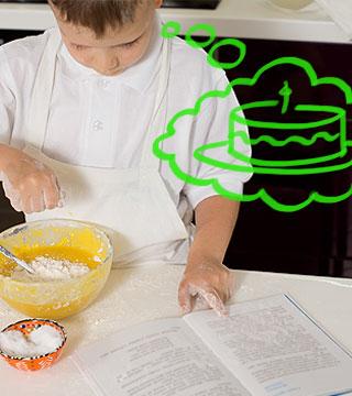 Menino cozinhando