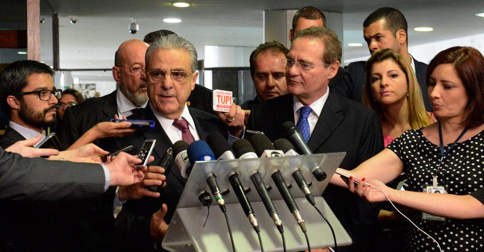 Robson Braga de Andrade e Renan Calheiros em coletiva de imprensa