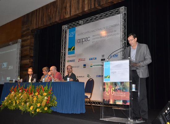 Cerimônia de entrega do Prêmio CNI de Economia 2014