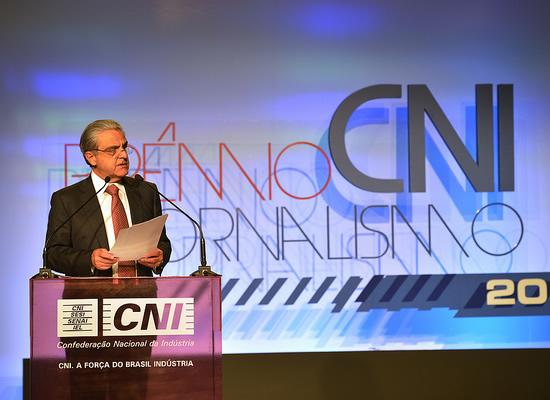 O presidente da CNI, Robson Braga de Andrade, fala aos jornalistas e convidados do Prêmio de Jornalismo